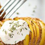 картофельная гармошка с сыром и беконом