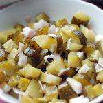 фото салата из соленых огурцов с картофелем