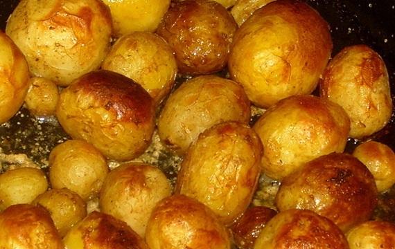 классическая печеная картошка фото