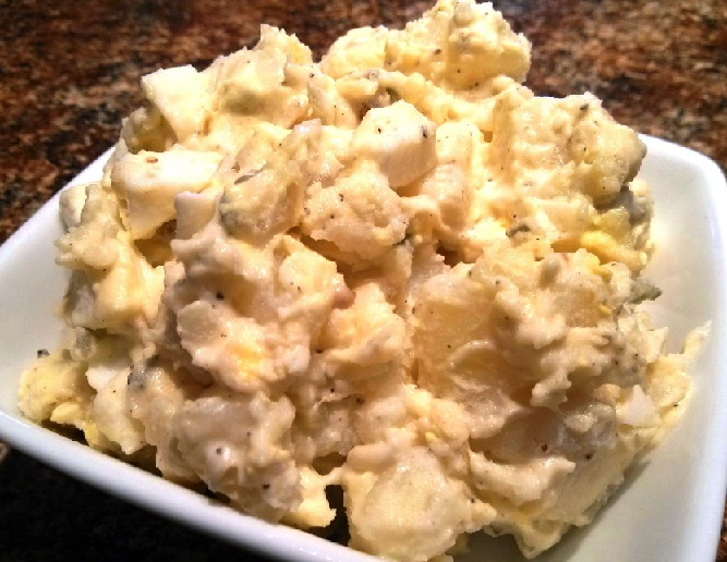 фото салата из яиц, картофеля и огурцов
