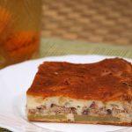 заливной пирог с картофелем и сайрой, испеченный в духовке
