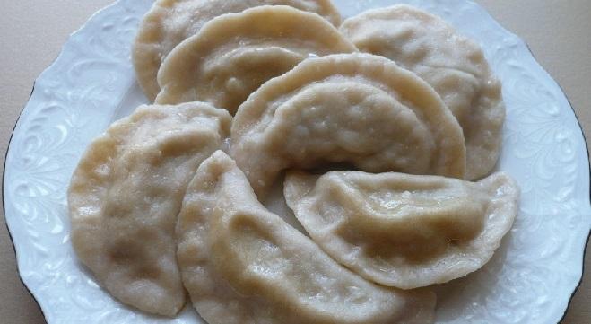 фото готовых вареников с сырой картошкой
