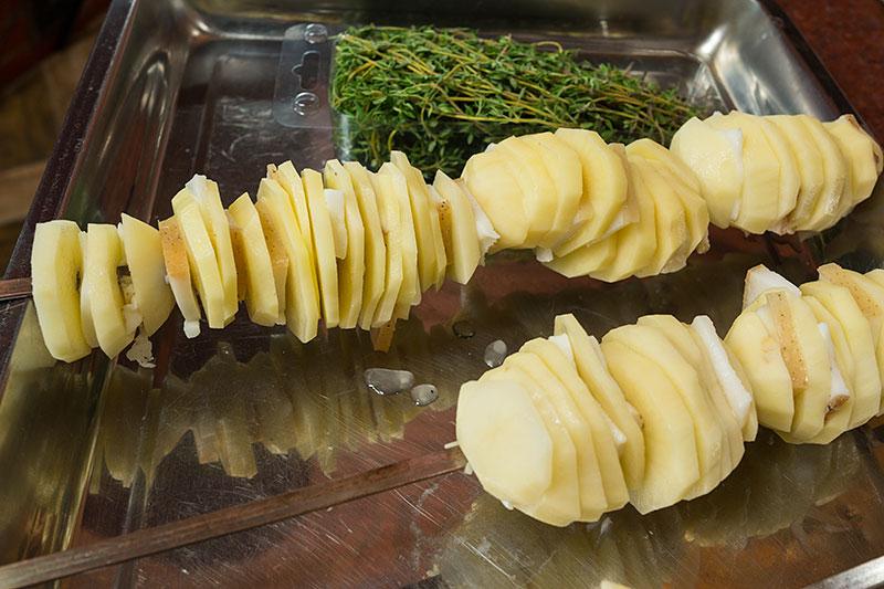 фото картошки на шампурах перед обжаркой