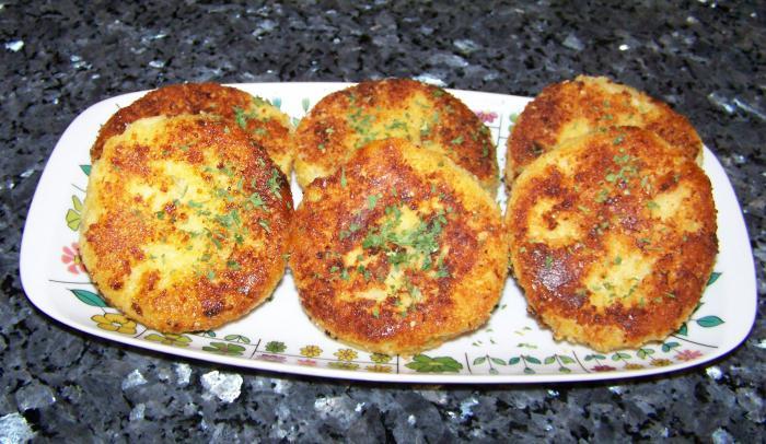фото готовых картофельных биточков