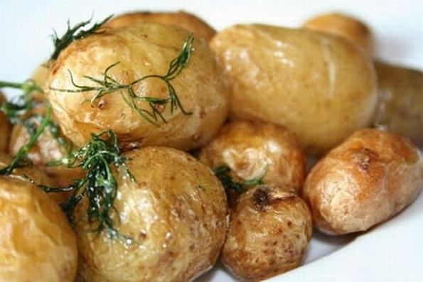фото картофеля в мундире в аэрогриле