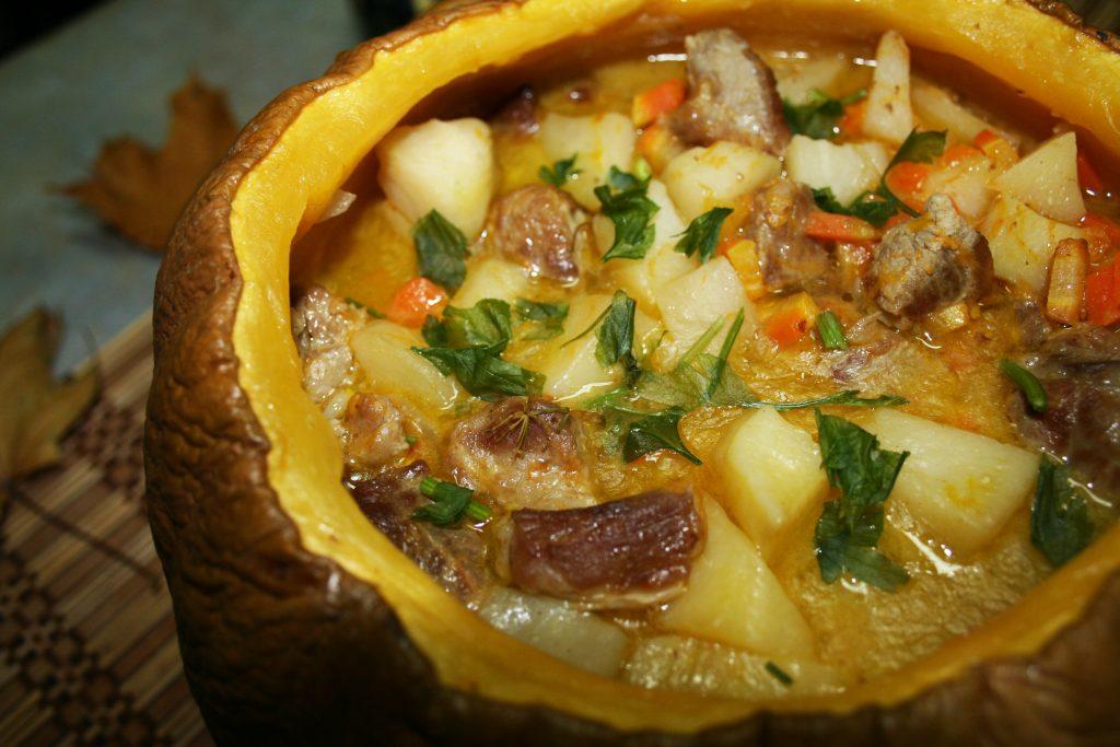 фото готовой тыквы, фаршированной картошкой