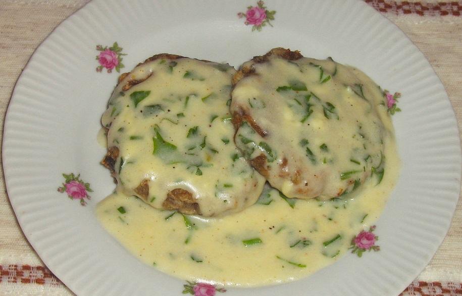фото картофельно-грибных котлет под сметанным соусом