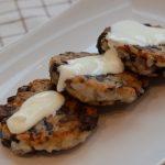 фото котлет с грибами и картошкой под соусом из сметаны