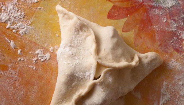 фото лепки татарских пирожков треугольной формы