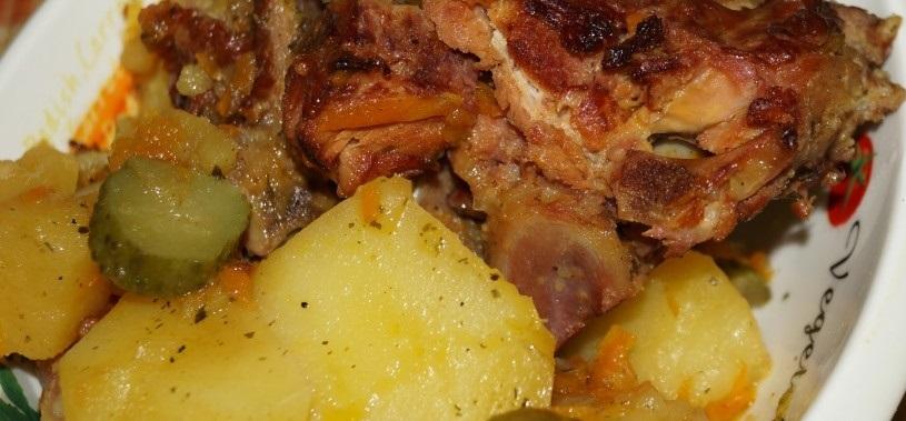 фото картофеля с копчеными ребрышками в мультиварке