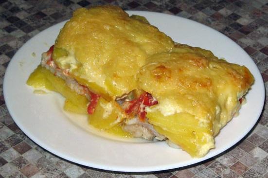фото запеченной в духовке красной рыбы с картошкой