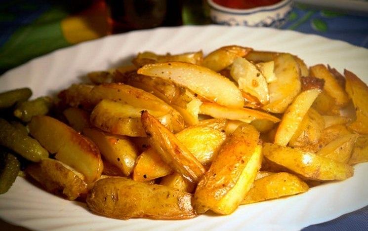 фото маринованной картошки, запеченной в духовке