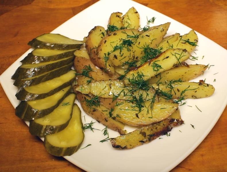 фото картошки по-деревенски, сделанной в мультиварке