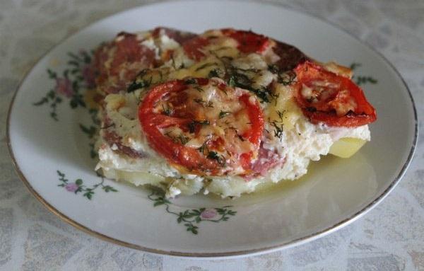 фото картофельной запеканки с колбасой и сыром