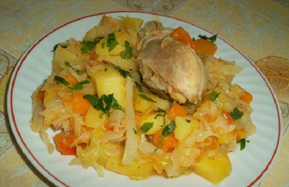фото тушеной капусты с картошкой и курицей