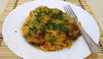 фото тушеной капусты с картошкой и куриным филе