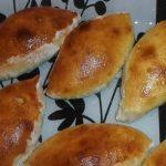 фото печёных пирожков с картошкой и луком