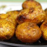 фото печеного в мундирах картофеля