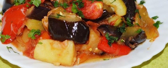фото овощного рагу из кабачков, баклажанов и картошки