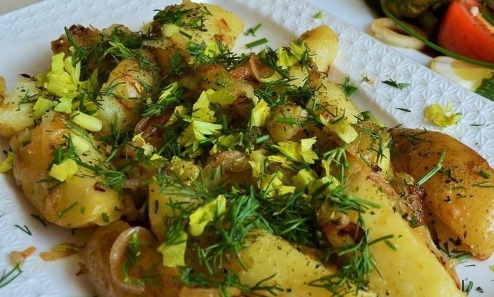 фото жареной картошки с сельдереем