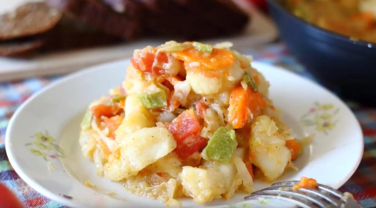 Овощное рагу с картошкой, кабачком и капустой фото