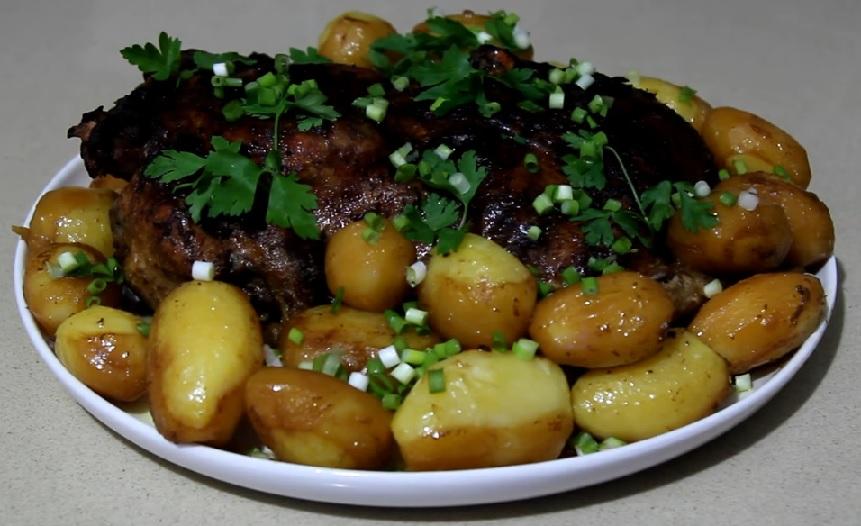 фото сочной утки с картошкой в духовке