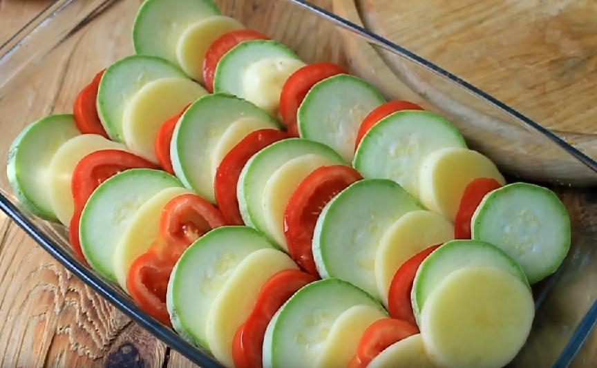 как приготовить кабачки с картошкой и помидорами