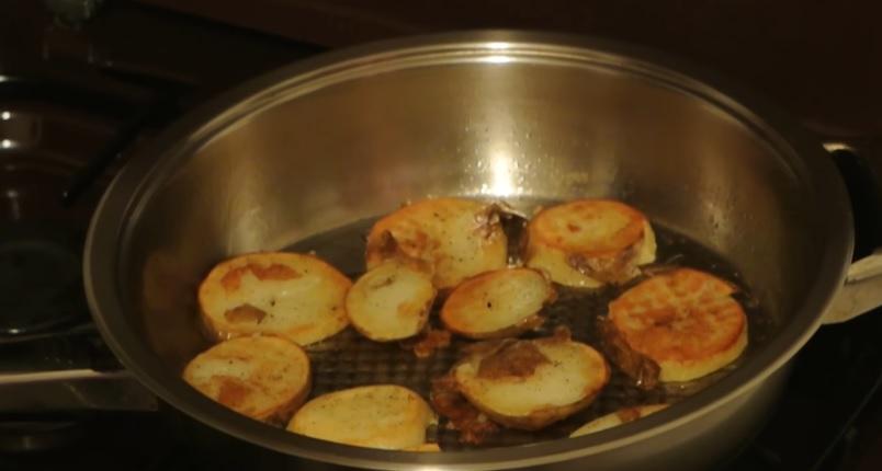 готовая варено-жареная картошка