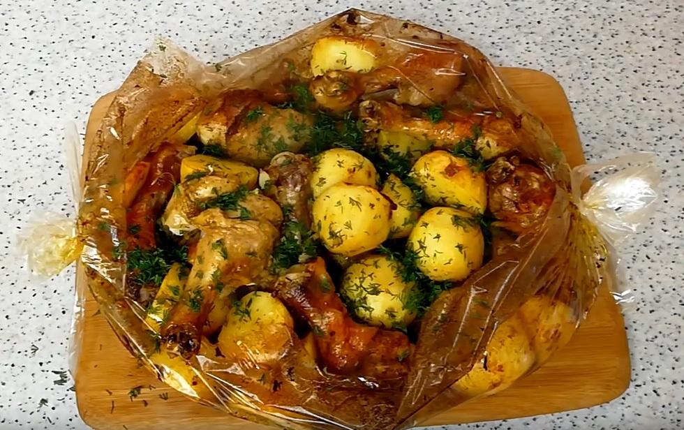 фото куриной голени с картошкой в рукаве