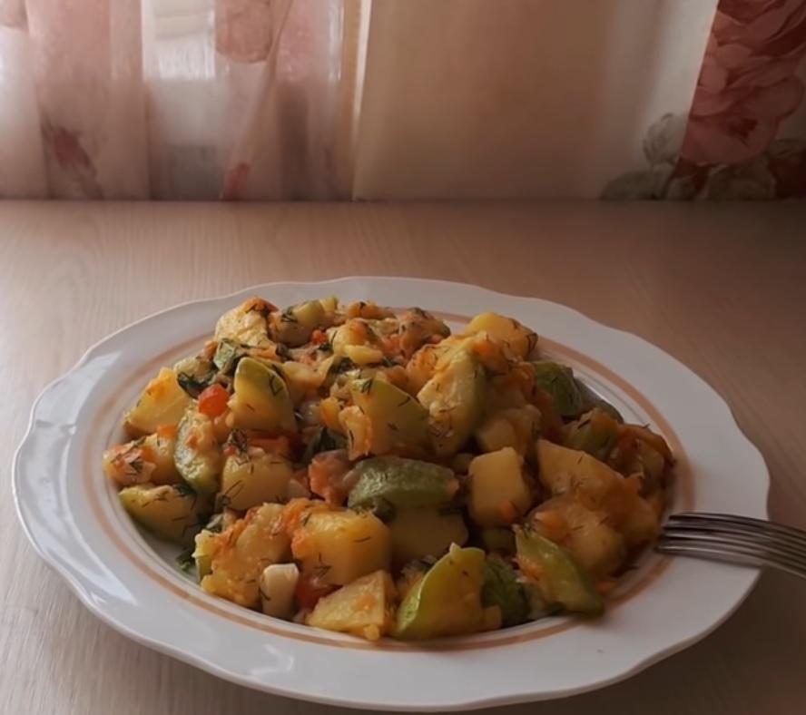 тушеные кабачки с картошкой фото